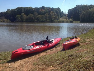 2h canoeing class in the Agrio reservoir