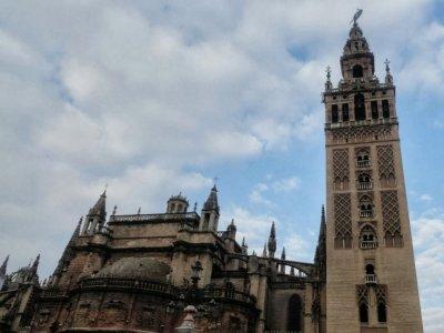 Medievl Seville tour & Guadalquivir cruise