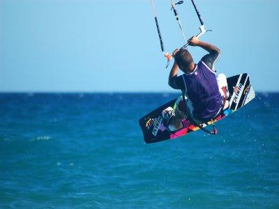 1h Kitesurfing course in Huelva