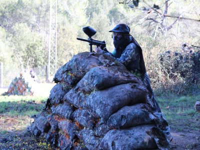 Paintball 100 balls and barbecue in Barcelona