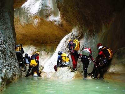 Canyoning in the Basque Country + dinner and lodge
