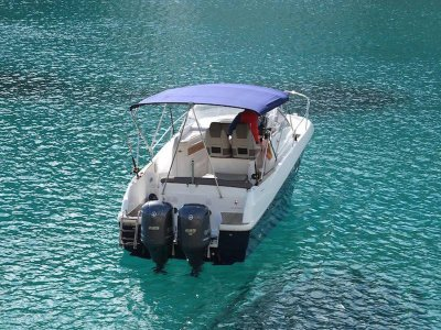 8h boat trip in Ibiza on high season