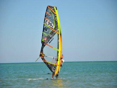 Windsurfing Equipment 1h Rental in Guardamar