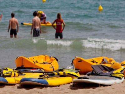 1h One-Seater Kayak Rental, Marina de la Torre