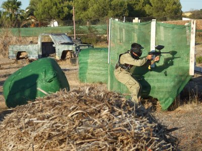 Paintball game in Minorca with 300 paintballs