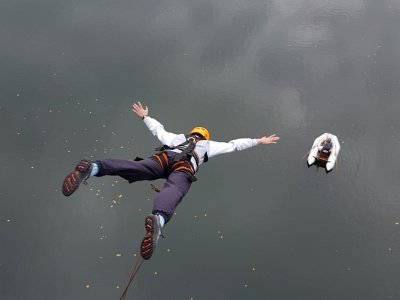 Bungee Jump in Salamanca with free HD Video