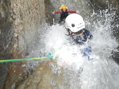 Canyoning at Collegats defile 4 hours