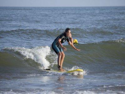 Advanced surfing equipment rental, Isla Canela 1h