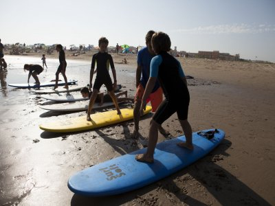 Surf course in Isla Canela 8h