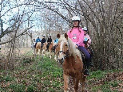 1h Horse Ride Vall d'en Bas Snacks+Class