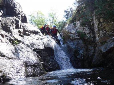 Canyoning descent beginners La Glorieta