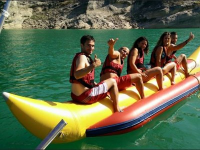 15min banana boat ride for team building in Madrid