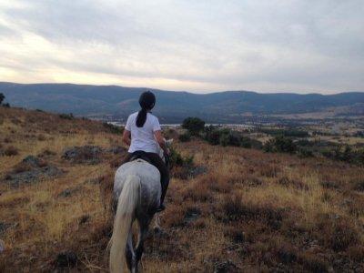 Class + horse-riding Buitrago de Lozoya 1h 45min