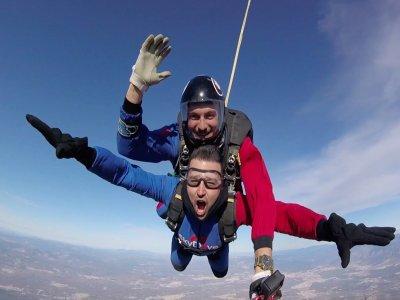 Skydiving jump at Granada tandem