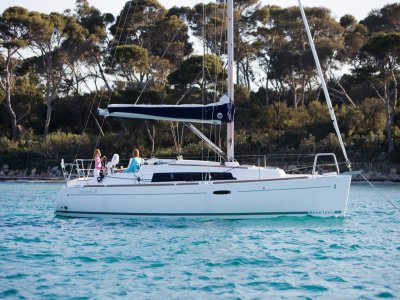 Weekend Charter Trip on a Beneteau Oceanis 31