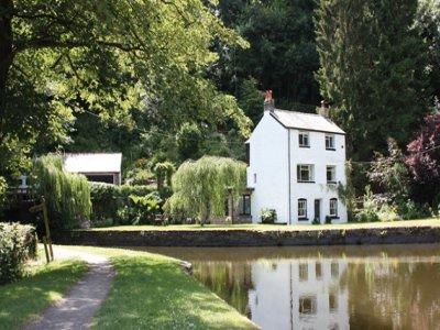 Wharfinger's Cottage