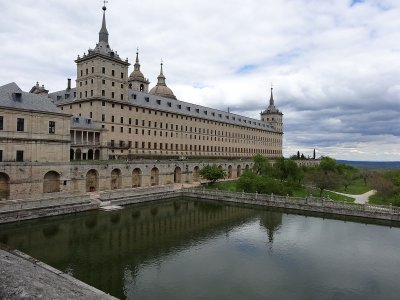 Guided visit to El Escorial monastery, schools