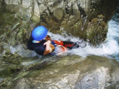 Canyoning during 1 day in Huesca