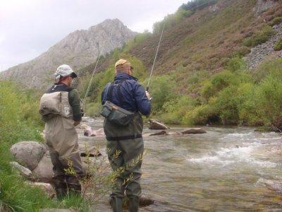León Aventura Pesca