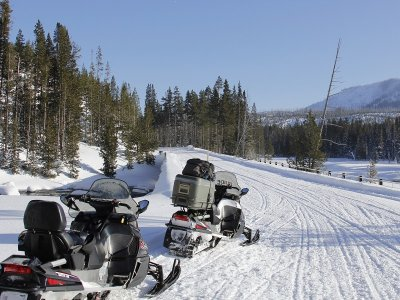 Two-seater snowmobile route adult & kids 14km