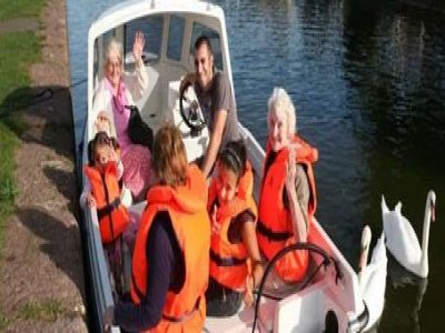 Tiverton Canal Co Boat Trips