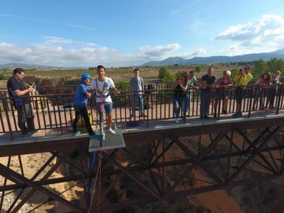 Bungee jumping for groups in Villena 10 jumps
