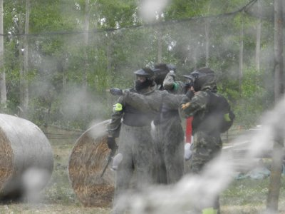 Paintball + One-Night Accommodation in Leon