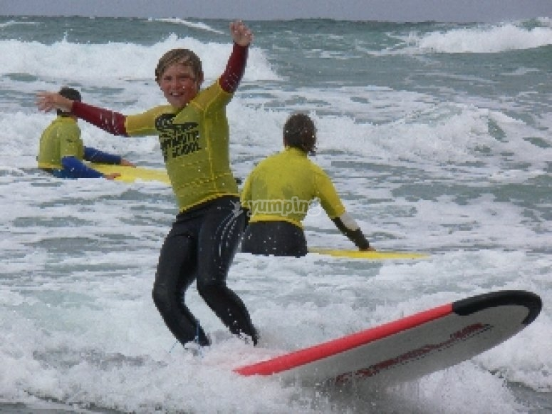 How to surf at sandymouth surf school