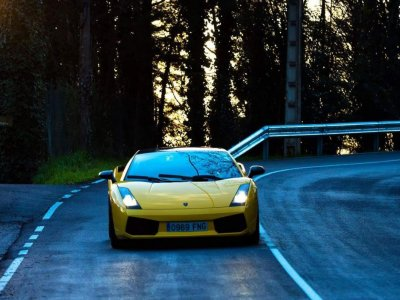 Drive a Lamborghini Gallardo in Gijón 30 Min
