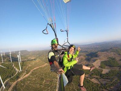 Paraglider Flight in Igualada, 20 Minutes
