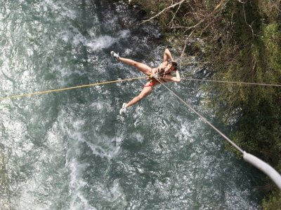 Naked Bungee Jumping, Enguídanos, 50% Off