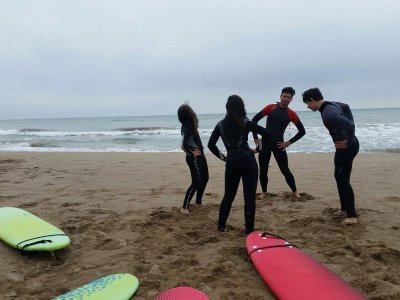 Beginners Surf Session in Castelldefels 2h
