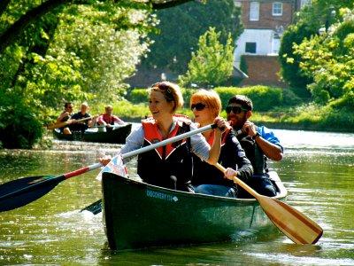 2.5 Hour Canoe Tour Hampton Court
