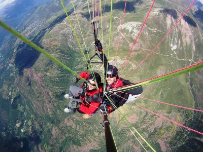 Paragliding in Cebreros in the High Mountains