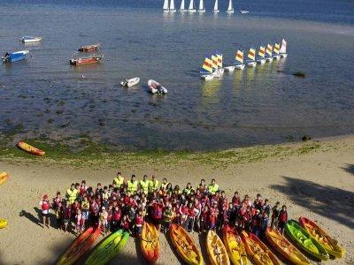 Tandem kayak rental for half a journey in Moañas