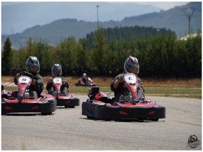 Karting Cabañas Raras Team Building