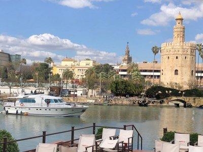 Team Building Yacht Guadalquivir Dring & Appe.