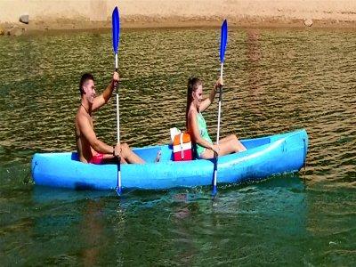 Ocio y Aventura en el Pantano de San Juan Kayaks