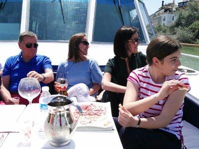 Luxurious Yacht Trip Guadalquivir, Drink + Cat. 2h