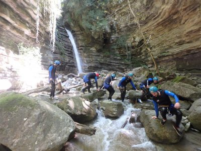 Canyoning for Families in Viandico Pirineos