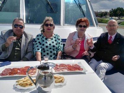 Yacht Cruise in Guadalquivir + Cocktail Menu, 2h