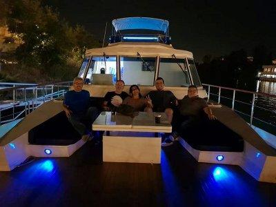 Yacht Trip in the Guadalquivir + Cocktail Menu, 2h
