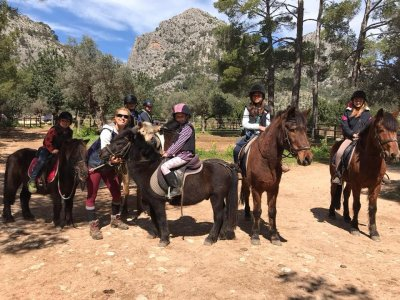 Horse riding tour in Tramontana, 4 Hours + Picnic