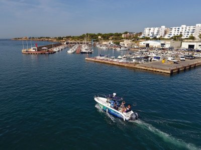 Astromar 590 Rental in Tarragona, 4 Hours