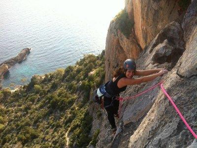 2h Xpress Rock Climbing Course in Ibiza