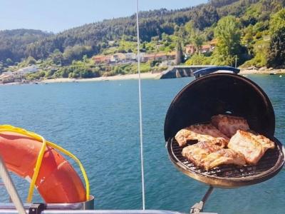 BBQ on Boat Through Ría de Ares, 6h