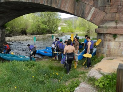 Canoeing Descend in Sil River, Long Trail