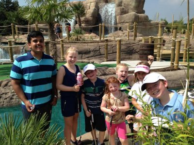 Jungle Paradise Adventure Golf