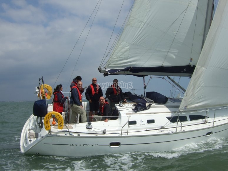 37ft 8Berth yacht with heating