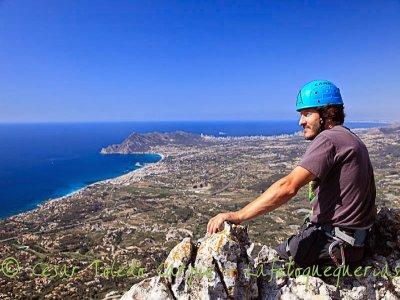 Climbing Bernia Crest difficulty V, 7 hours